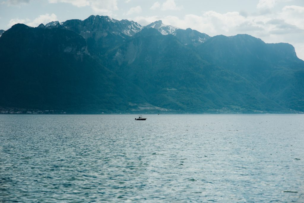 """alt=""""geneva lake"""""""